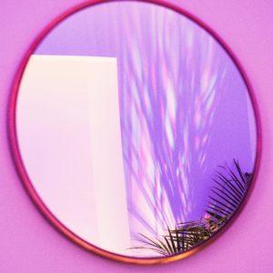 Face au miroir.