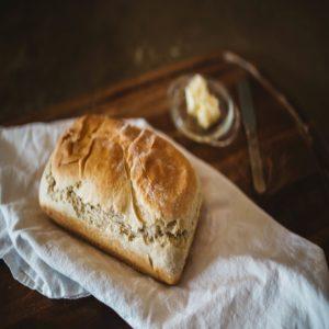 De l'eau et du pain.